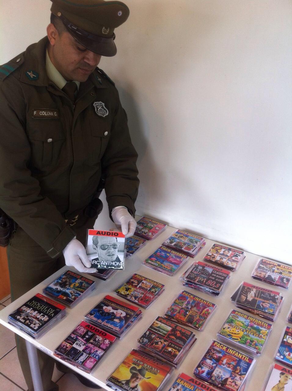 "Carabineros de San Rafael incautó CDs ""piratas"" en feria libre de la comuna"