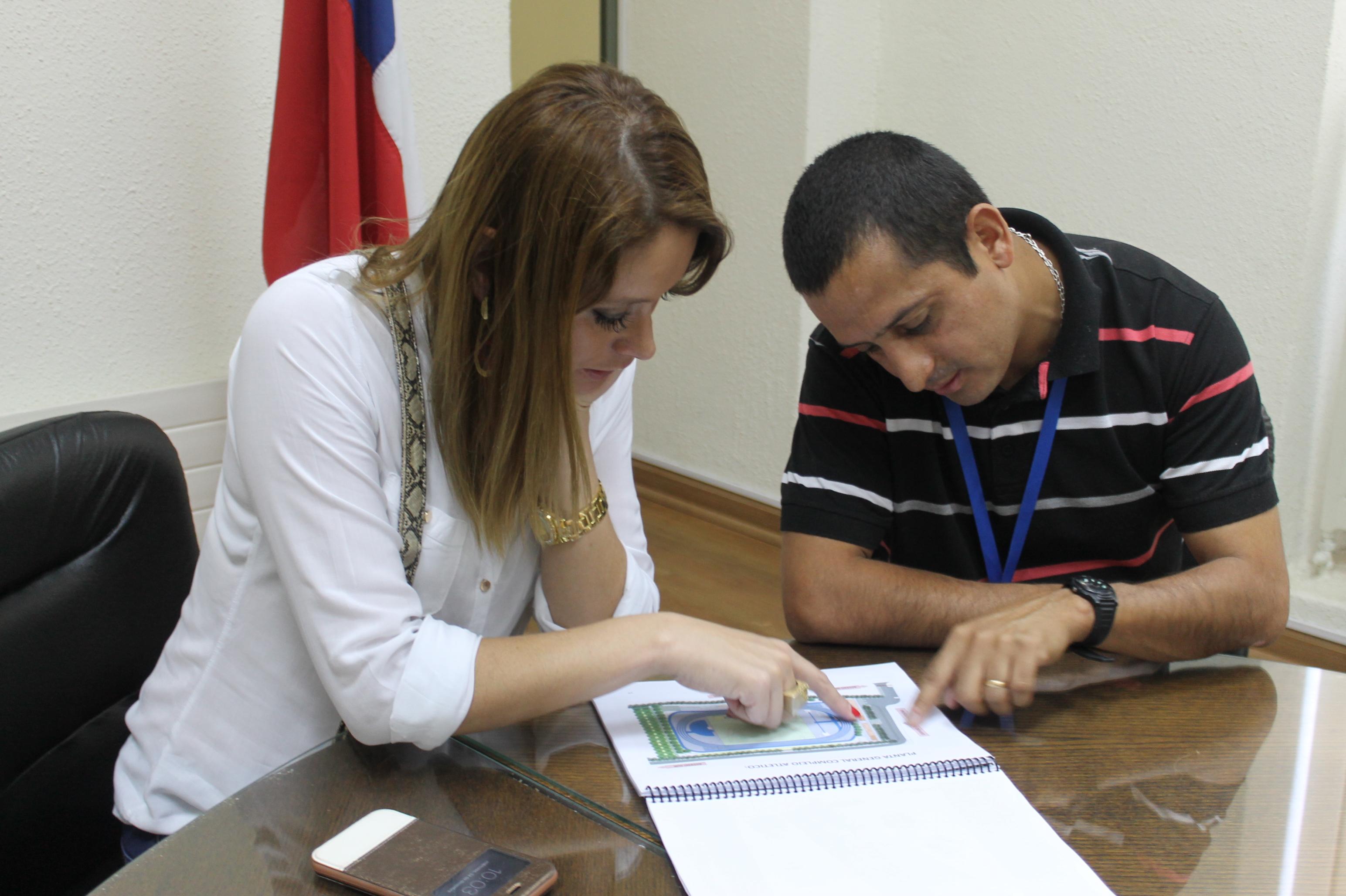 Trabajan en Proyecto de Pista Atlética para Linares