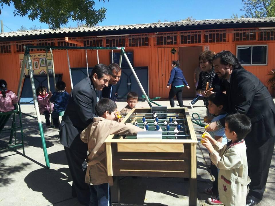 Distribuyen implementación deportiva a escuelas de Cauquenes