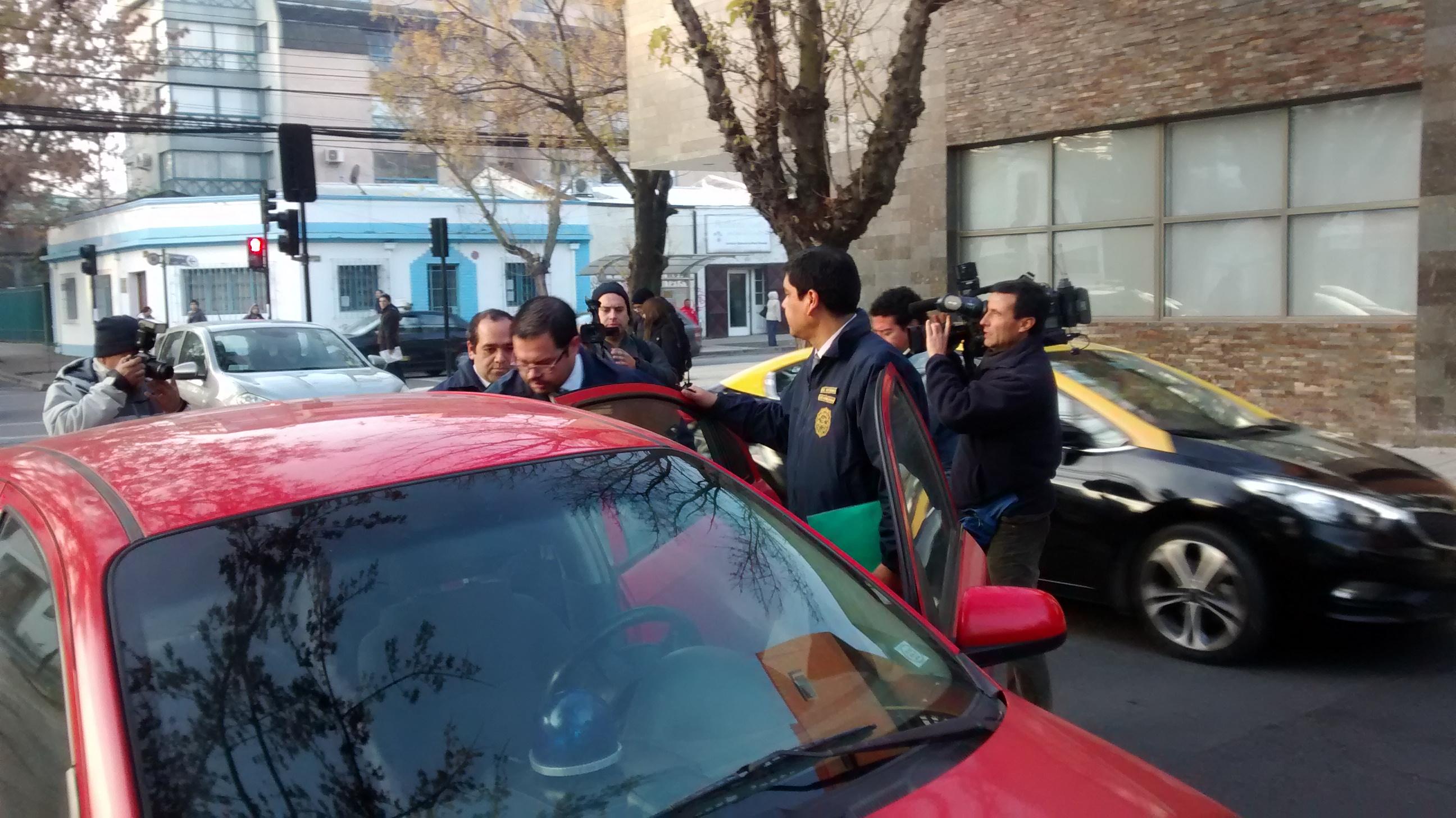 PDI realiza sorpresiva incautación de documentos en Dirección Regional del SENCE en Talca