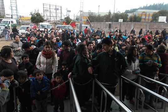 Gracias a Carabineros mil niños disfrutaron de función circense en Curicó
