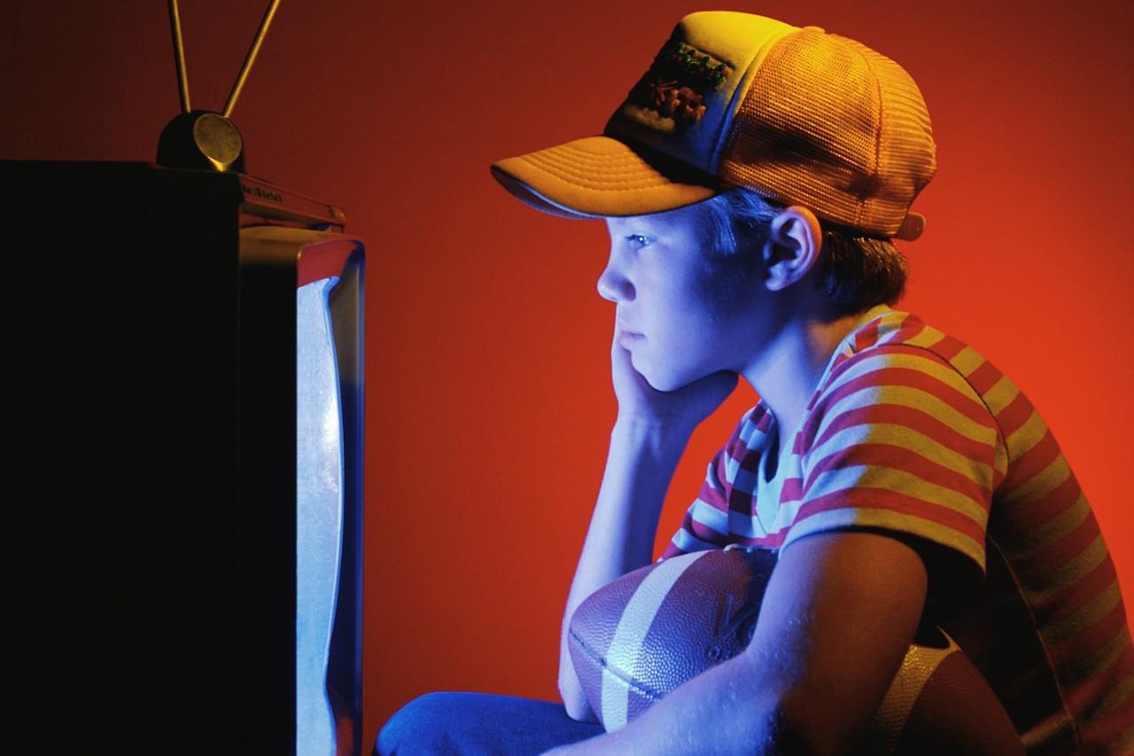 Buscan establecer normas auditivas en televisión para personas con discapacidad