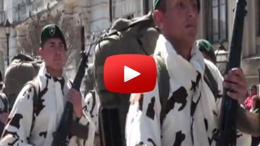 [Video] Ciudadanía celebró las glorias del ejército con masivo desfile en plaza de Armas de Talca.