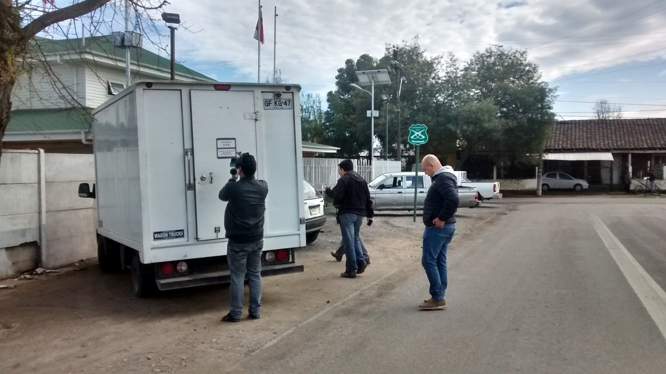 Secuestran a conductor y roban mercadería de camión repartidor de cigarrillos en Maule