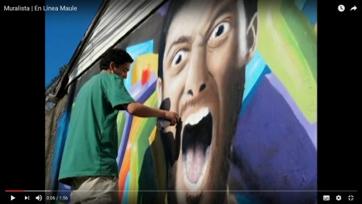 [Video] Joven artista talquino sorprende con minucioso trabajo en murales en la ciudad.