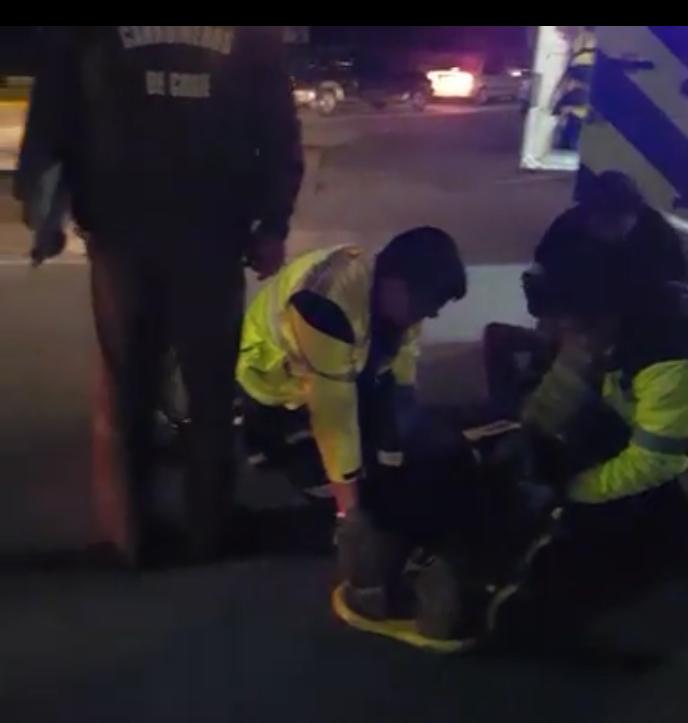 Motociclista herido tras ser colisionado por vehículo en 4 norte con ingreso al balneario del Río Claro el Talca
