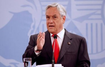 Piñera afirma que Bachelet conduce a Chile por un camino equivocado