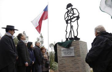 Inauguraron memorial por brigadistas fallecidos en Vichuquén