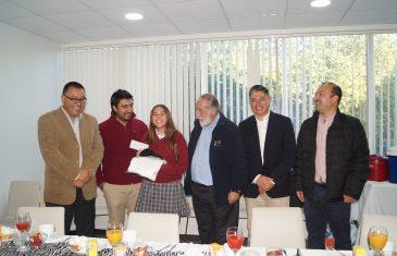 Gobierno regional entrega recursos a estudiantes del Colegio San Jorge que competirán en Estados Unidos