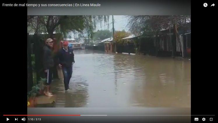 [Video] Casas y calles anegadas en Talca y Maule, fueron el saldo del violento sistema frontal de lluvia en que afectó a la región del Maule.