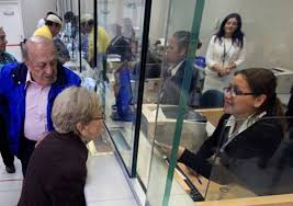Este fin de semana sucursales de Caja Los Héroes atenderán a adultos mayores