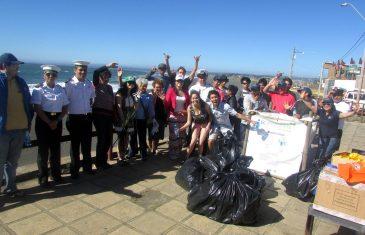 Primera jornada de limpieza de playas en el Maule