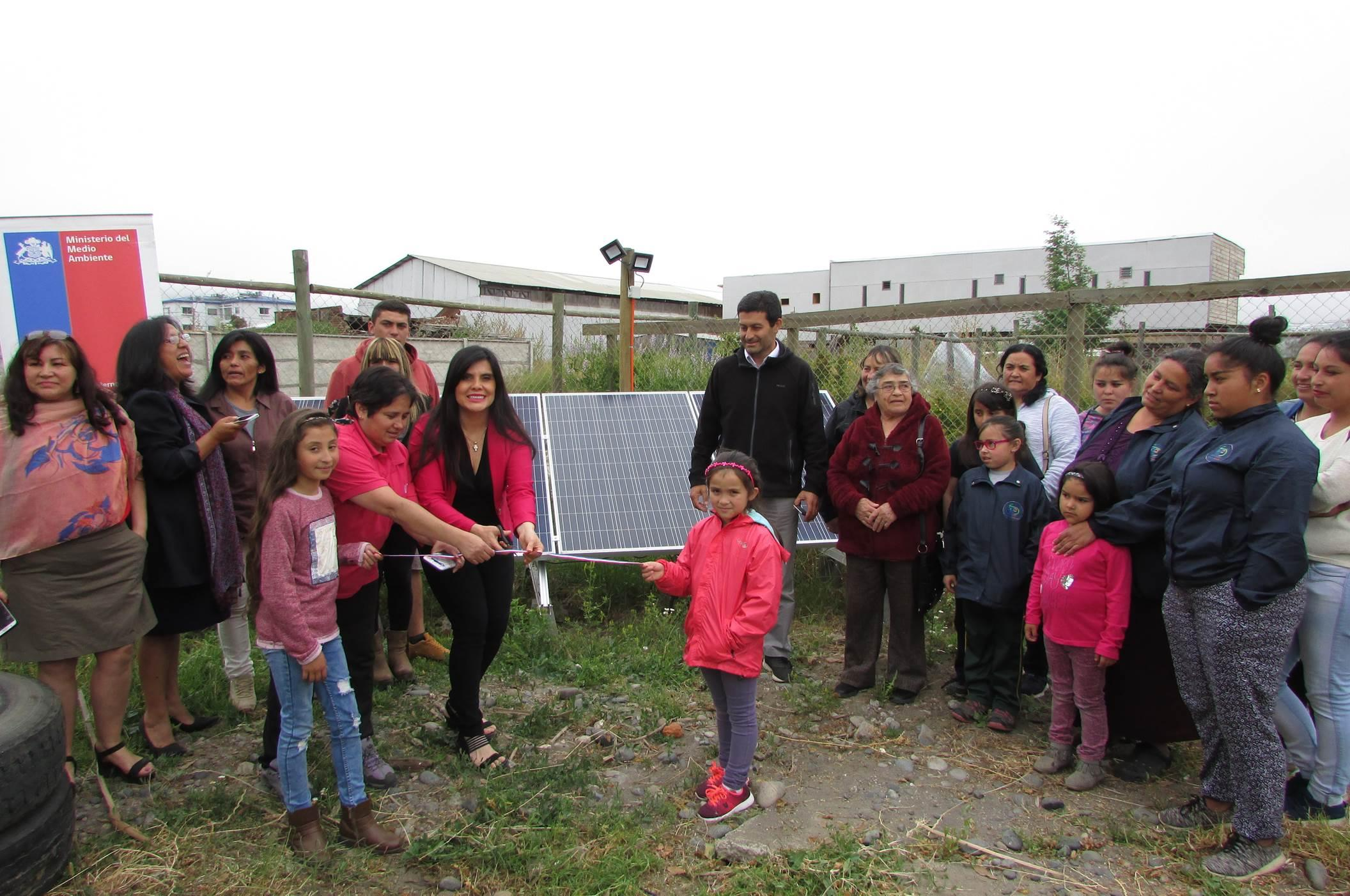 Inauguran paneles solares en ruka mapuche en Constitución