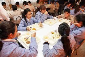 Junaeb : 600 alumnos no recibirían raciones de alimentos en Marzo