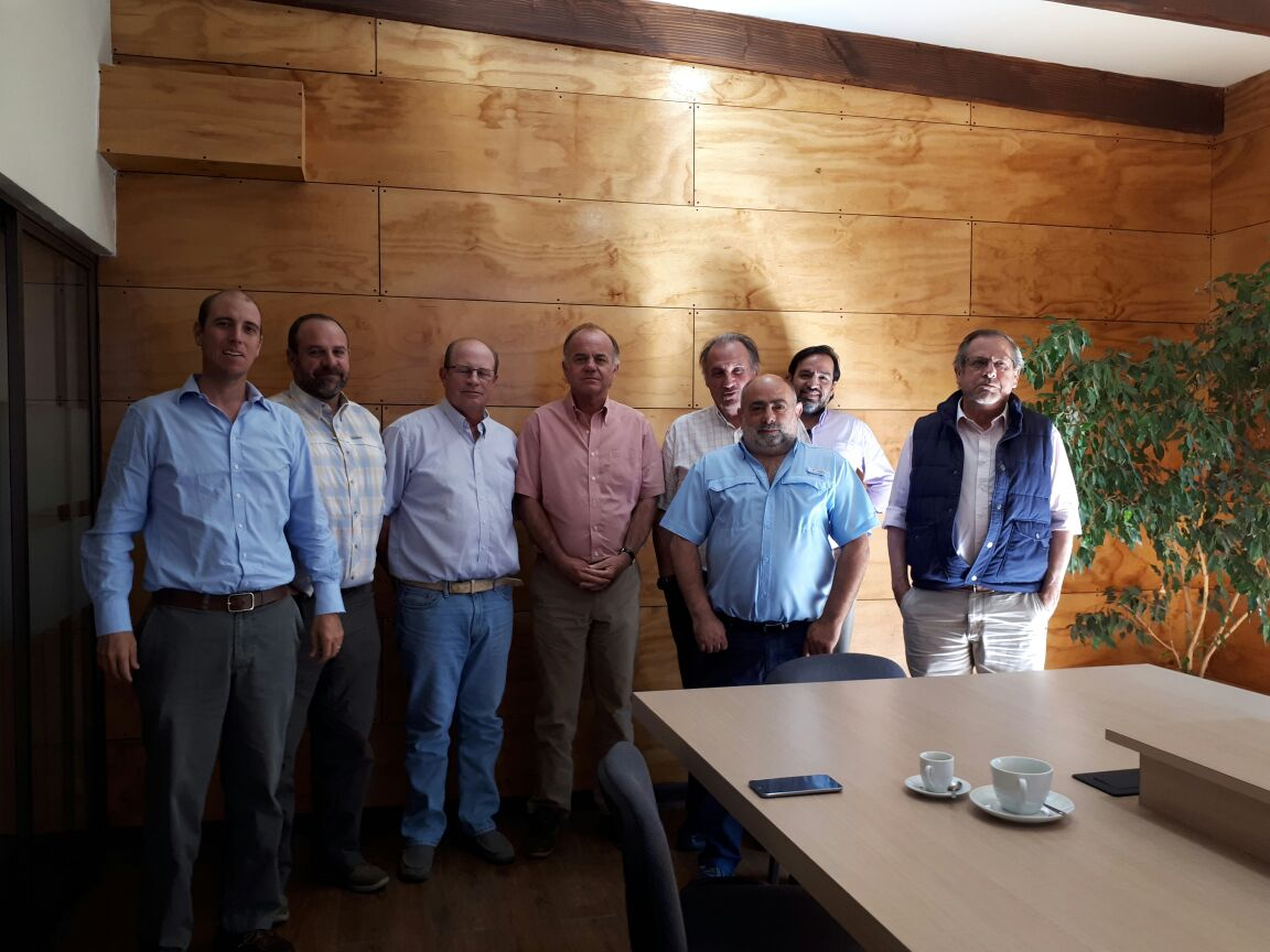 Junta de vigilancia de Maule se reunió con futuro ministro de Agricultura Antonio Walker