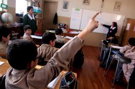 Mil mediaciones entre apoderados y colegios para solucionar problemas de convivencia escolar