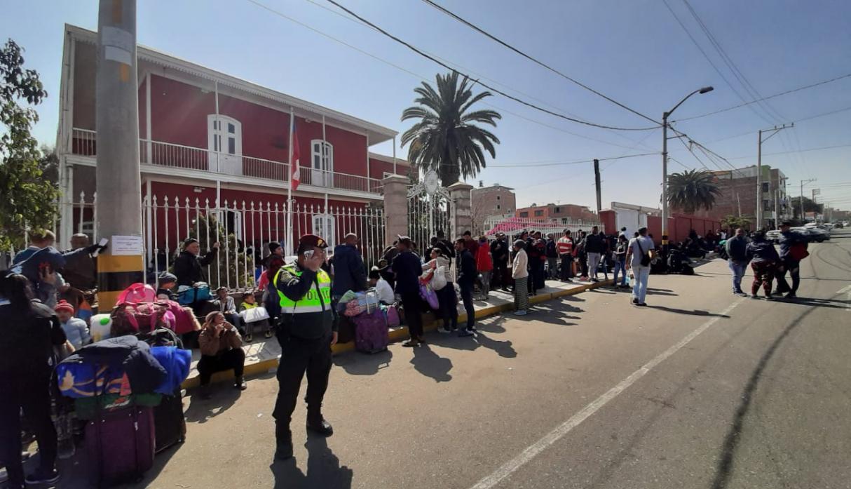 Venezolana perdió a su hijo en gestación fuera de consulado chileno en Tacna