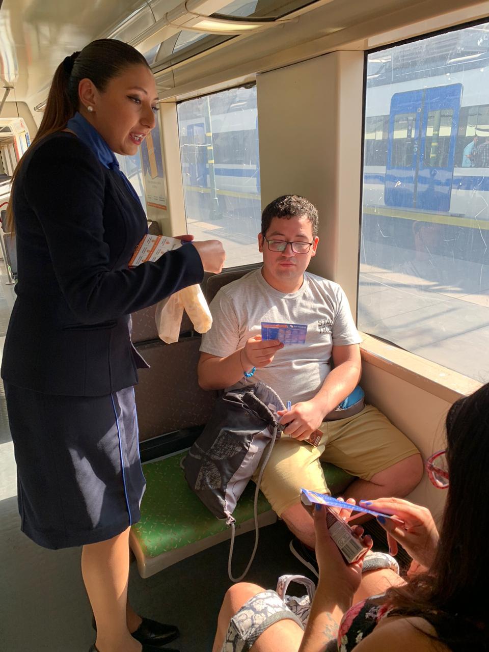 Lanzan plataforma de entretenimiento en trenes de EFE