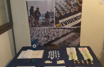 PDI detuvo a dos mujeres por microtráfico de drogas y por infringir la Ley de Control de Armas