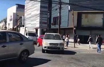 A pesar del aumento del Covid 19 en Chile y en la región, a algunos talquinos pareciera no importarles, y transitan relajadamente por las principales calles de la capital maulina.