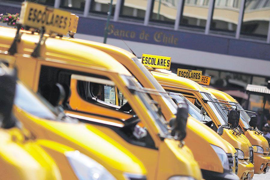Ministerio de Transporte amplía opciones laborales a los transportistas escolares