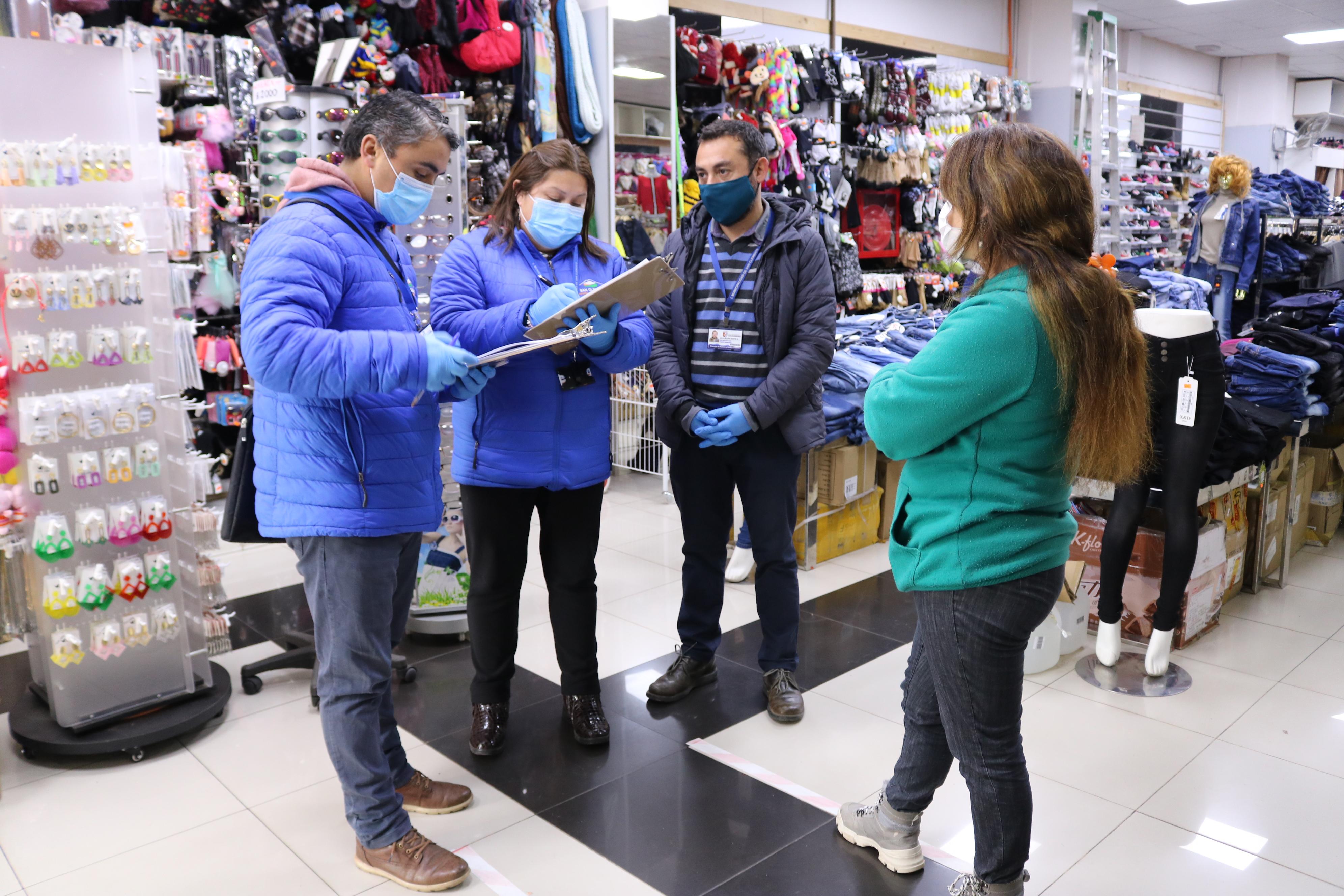 Municipio de san clemente fiscaliza cumplimiento de medidas sanitarias en el comercio de la comuna