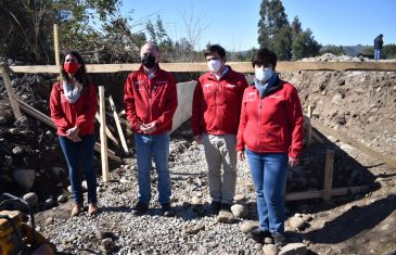 Intendente Prieto y Ministro Walker visitan obras de canal Mesamávida que beneficiará a 294 agricultores