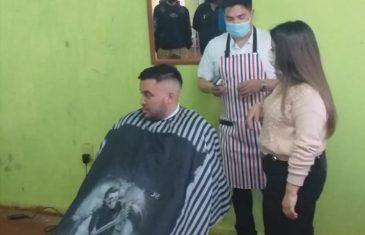 INJUV realiza academia de barbería gratuita para jóvenes del Maule