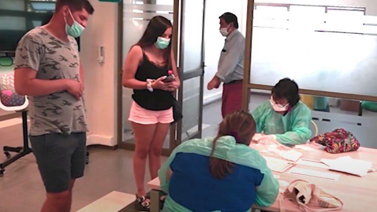 Injuv realizó toma de PCR gratuito para los jóvenes del maule con el objetivo de promover el autocuidado. la iniciativa, además, buscaba identificar casos activos del virus dentro de este segmento de la población.